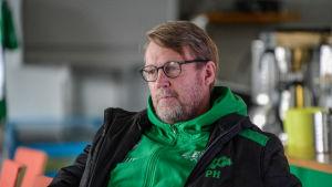Porträttbild på Peter Haglund.