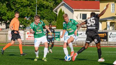 André Österholm med bollen.