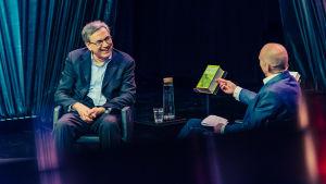 Orhan Pamuk ja Heikki Aittokoski Helsinki Lit -keskustelussa