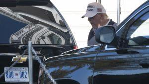 President Donald Trump utanför Vita huset 8.11.2020