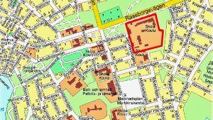 En karta över Ekenäs centrum. Med rött ingärdat det område som heter Seminarieparken.