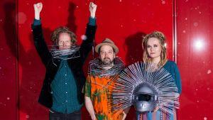 Kuvassa Pauanne-kansanmusiikkiyhtye