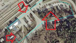 Ett foto som visar vilka parkeringsplatser på Karis stationsområde som blir avgiftsbelagda 1.5.2021.