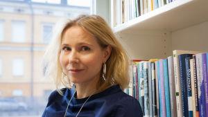 Forskningsdirektör Matilda Hellman vid Helsingfors universitet.