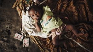 Mosambikilainen vauva Samira-vauva.