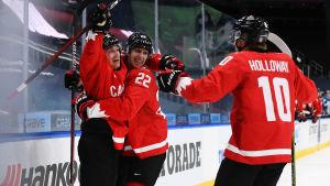 Kanadensiska spelare jublar
