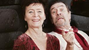 Johanna Ringbom och Pekka Laiho i Benjamin Laustiolas pjäs Efter festen