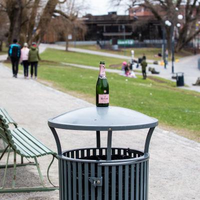 Tampereen Koskipuisto oli hiljainen vappupäivänä 2020.