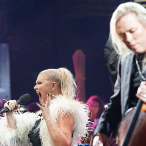 Karita Mattila ja Apocalyptica Musiikkitalon lavalla