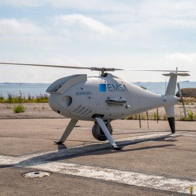 Bild av drönaren klar för start på helikopterplattformen på Tulludden i Hangö.