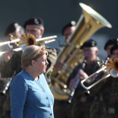 Liittokansleri Angela Merkel tapasi Afganistanissa evakuointioperaatiossa palvelleita sotilaita  Seedorfissa 22. syyskuuta.