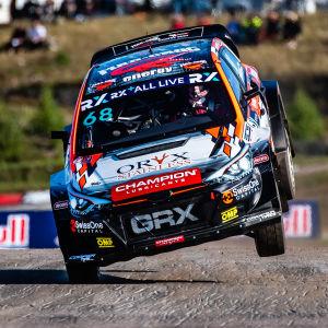 Niclas Grönholm kör sin rallycrossbil.