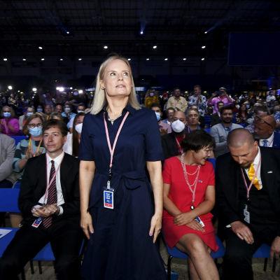 Riikka Purra vaalituloksen selviydyttyä Perussuomalaisten puoluekokouksessa