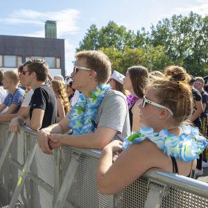 Yleisöä Solar Sound -festivaaleilla.