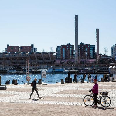 Hiljainen Laukontori koronatilanteen aikaan 21. huhtikuuta 2020.