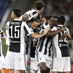 Juventus herrar firar ligaguld.