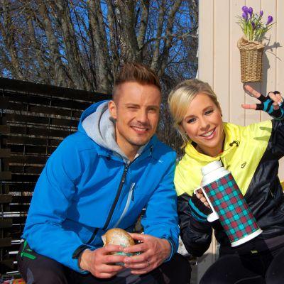 Jontti Granbacka har Krista Siegfrieds som gäst på Strömsö