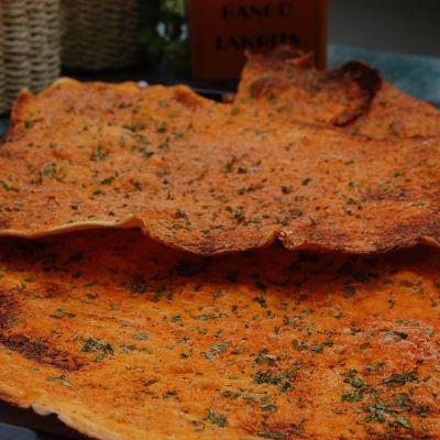Pauls pizzakanter med tomatsås