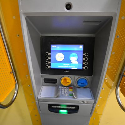 Uuden ajan pankkiautomaatti