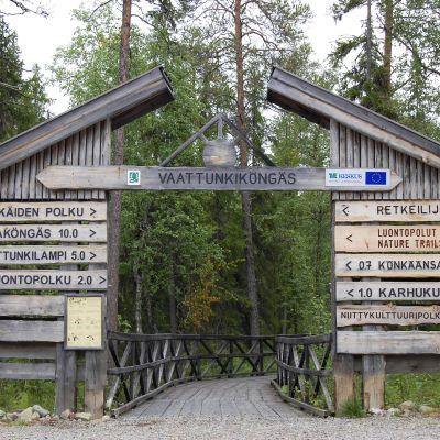 Vaattunkikönkään lähtöpaikka Napapiirin retkeilyalueella Rovaniemellä.