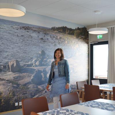 Gisela Sjöblom i nya vårdhemmet i Kimito.