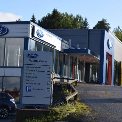 Vauhti-Vaunussa on tehty autokauppaa yli 70 vuotta.