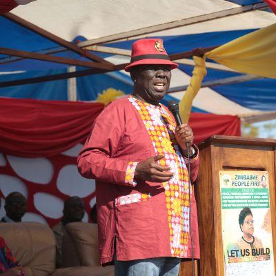 Zimbabwelainen oppositiojohtaja Morgan Tsvangirai puhui kannattajilleen vuonna 2016.