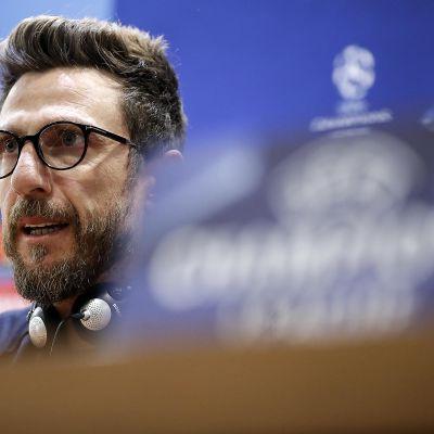 Eusebio Di Francesco lehdistötilaisuudessa.