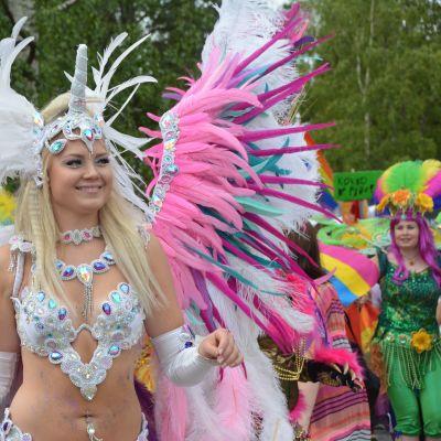 Nyhetsskolans bild till artikel om Prideparad i Vasa.
