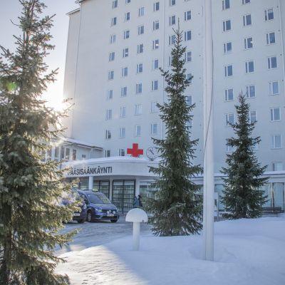 Pohjois-Karjalan keskussairaalan päärakennus