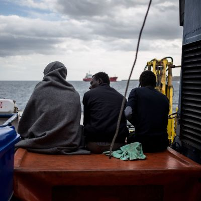 Migranter på fartyget Sea  Watch 30.1.2019 utanför Syrakusa, Sicilien