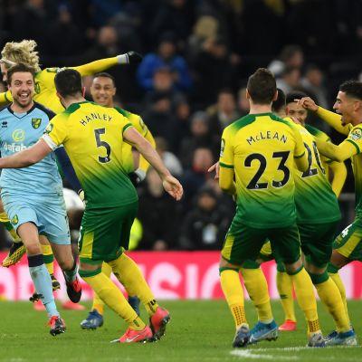 Norwich voitti Tottenhamin rangaistuspotkukilpailun päätteeksi