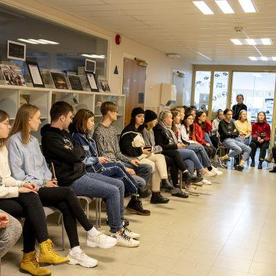 Vaihto-opiskelijat Sjoki.jpg