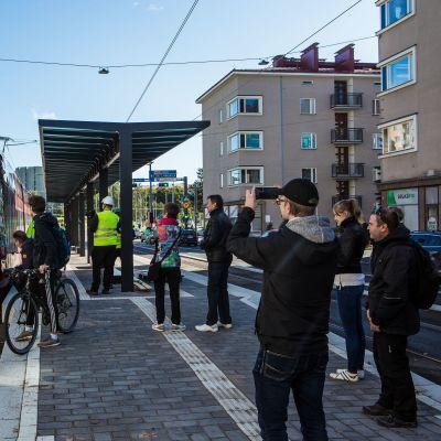 Tampereen Ratikan koeajot ulottuvat nyt asematunnelille asti
