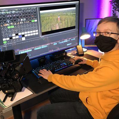 Nuori yrittäjä Aaro Riponiemi editoi elokuvaa