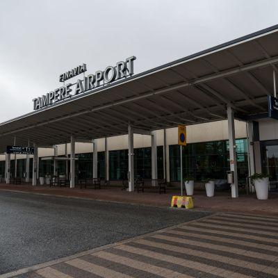 Ulkokuva Tampere-Pirkkalan lentoaseman ykkösterminaalista