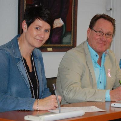 S:t Karinspolitiker undertecknar valförbund