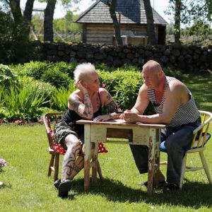 Wilma Schlizewski ja Olli Väätäinen Saarenmaalla