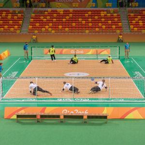 Finland slog Kina, men paralympics tog slut i gruppspelet.