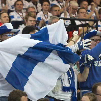 Fans i publiken under en innebandymatch.