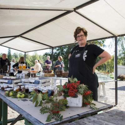 Catarina Ekblom från Marmeladkompaniet på Rosenlunds skördemarknad