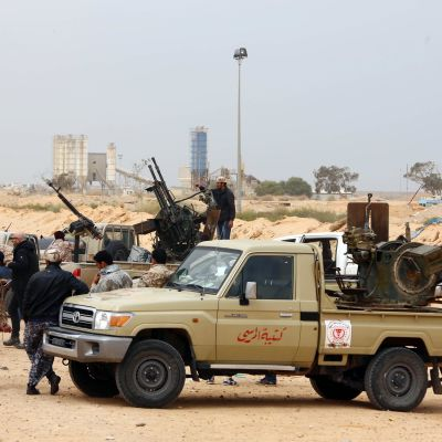 Olika beväpnade grupper strider i Libyen.