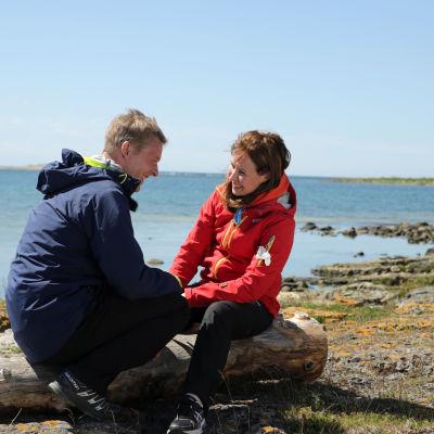 Toni ja Heidi Nieminen tekevät Elämä pelissä -harjoitetta