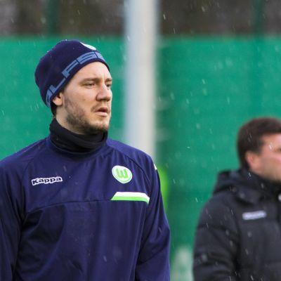 Nicklas Bendtner är en dansk fotbollsspelare.
