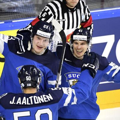 Finländska jubelscener i kvartsfinalen mot USA.