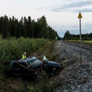 Taajamajuna ja auto tasoristeysonnettomuudessa Mänttä-Vilppulassa elokuussa 2020.