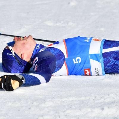 Iivo Niskanen maalissa kaikkensa antaneena Seefeldin MM-kisoissa 2019. Niskanen on edustanut Suomea viisissä aikuisten arvokisoista, joista peräti neljissä hän on ollut mitaleilla.