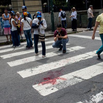 En pojke dog under massdemonstration i Venezuela.