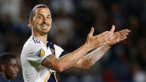 Zlatan Ibrahimovic gör väl ifrån sig i USA.