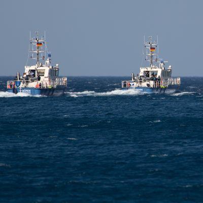 Laivoja lähdössä merelle.